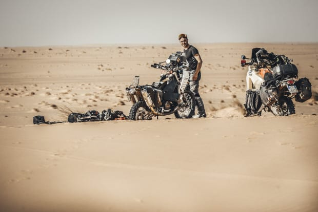 desert camera frame from the movie of bastian bruesecke