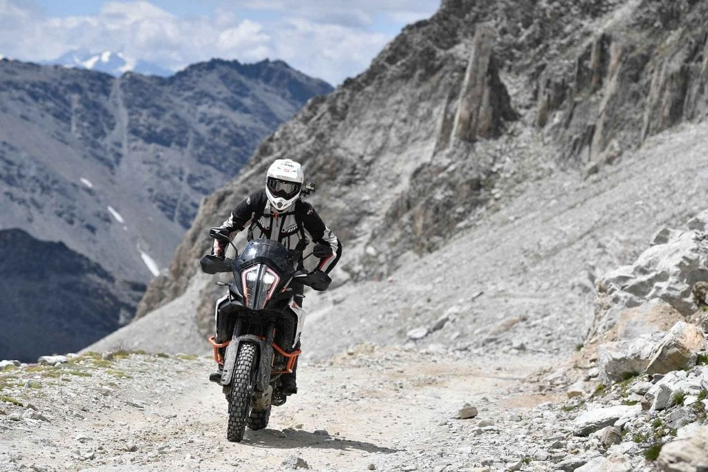 ktm 1290 super adventure r motoreetto test sul sommeiller