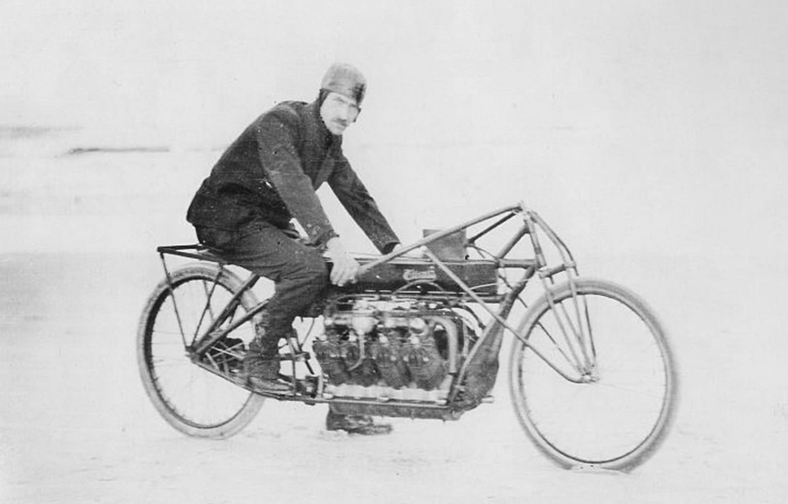glenn curtiss sulla sua incredibile v8